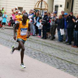 Medzinárodný maratón mieru Košice - maratónec Kosgei